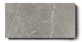 Gepolijst vloertegel 80×160 cm Marmerlook Grijs C6 is ook leverbaar in 75x75 cm. Combineer deze tegel bijvoorbeeld met een betonlook tegel, een metaallook tegel óf betegel de vloer én wand met marmerlook voor een chique uitstraling.