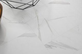 marmerlook tegels wit met grijze ardes ook als wandtegels te gebruiken