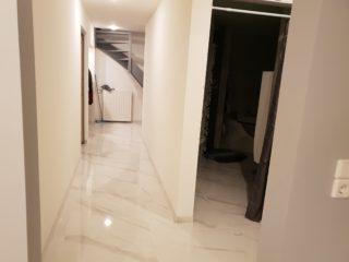 Hoogglans vloertegel 75x75 cm Marmerlook Carrara wit G15 ook in mat. Is mooi op de vloer en de wand