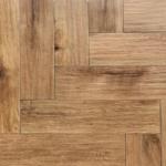 Houtlook tegel Visgraat 15×60 cm gerectificeerd Bruin DC1 is geschikt voor de vloer en de wand
