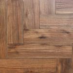 Houtlook tegel Visgraat 15×60 cm gerectificeerd Bruin DC3 is geschikt voor de vloer en de wand
