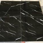 Hoogglans vloertegels 60x60 cm Carrara Zwart Nr. 58