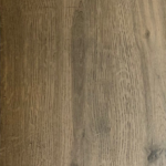 Keramisch parket 20x120 cm Bruin C2 is mooi op de vloer en wand