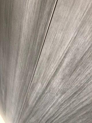 Keramisch parket 20x120 cm Gris CR14 van dichtbij