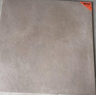 Vloertegel 80x80 cm taupe grey S17 op de vloer