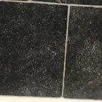 Vloertegel 30x50 cm romaans verband belgisch hardsteen zwart E12 is ook geschikt voor vloerverwarming