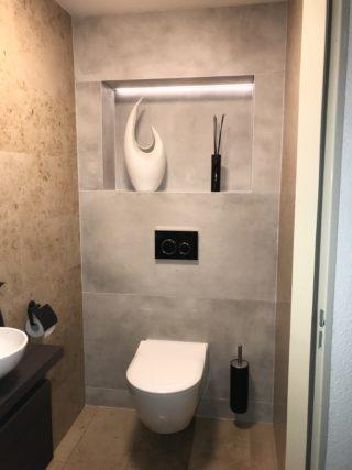 Vloertegel 60×120 cm Betonlook licht grijs DC22 is ook leverbaar in 30x60 cm, 60x60 cm, 45x45 cm en 80x80 cm.
