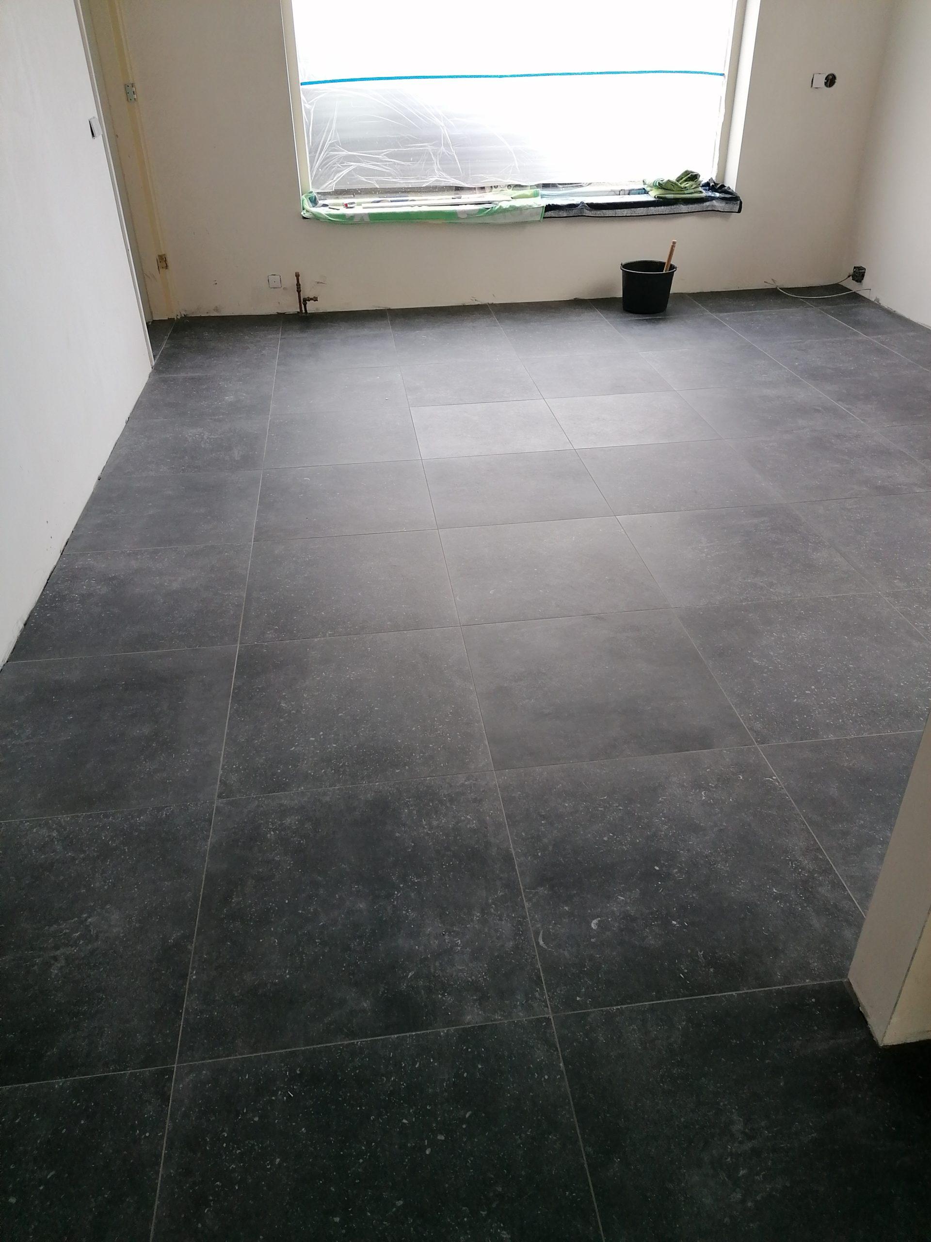 Vloertegel 80x80 Cm Belgisch Hardsteen Look Antraciet Dc13 Rb Tegels Tiel