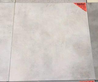 Vloertegel 60x60 cm DC22 betonlook licht grijs is geschikt voor vloerverwarming