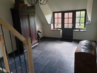 Vloertegel mix romaans verband belgisch hardsteen zwart E12 ook leverbaar in 80x80cm, 50x50cm, 30x30cm,30x50cm en10x10cm