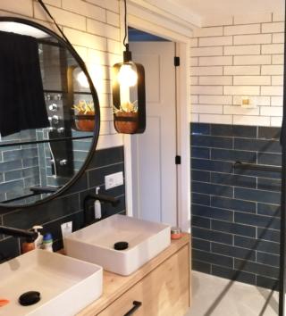 Wandtegel 10×40 cm blauw roest A90 voor badkamer, keuken of toilet