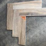 houtlook tegel visgraat 15x60 cm Bruin Beige DC 6 is geschikt voor vloerverwarming.