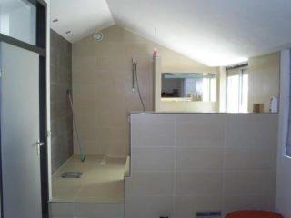Badkamer vloertegels cementi beige betonlook nr 23 op de vloer